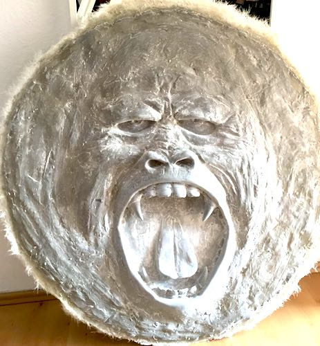 art-artist-exhibition-art-basel-miami-new-york-sculptures-relief-gorilla-eneos-design-ene-slawow-10 500